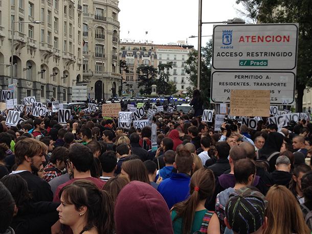Spanish police, civilians clash in anti-austerity protest