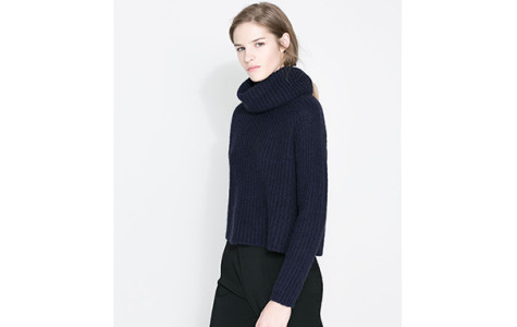 Oversized sweaters offer cozy, comfortable option for cold