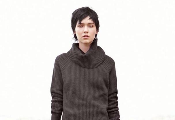 Welcoming turtlenecks back on fashion scene