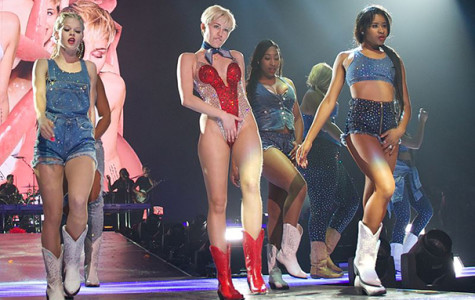 Cyrus bares skin, emotions at Barclays Center