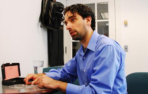 Professor named MIT innovator, praised for brain research