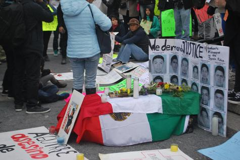 Protesters  rally for Mexican students