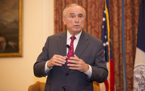 Bratton visits NYU Law amid protests