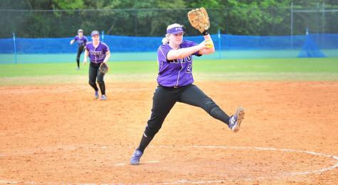 Softball shuts out, baseball strikes out