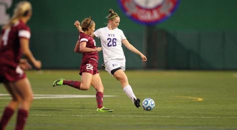 Women's soccer wins while men's team struggles