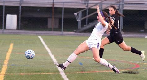 Women's soccer adds to win streak