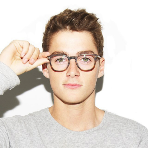 YouTube personality Finn Harries attracts students to media event