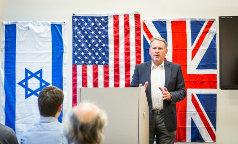 Students Host Former Colonel in Discussion on War Crimes and Terrorism