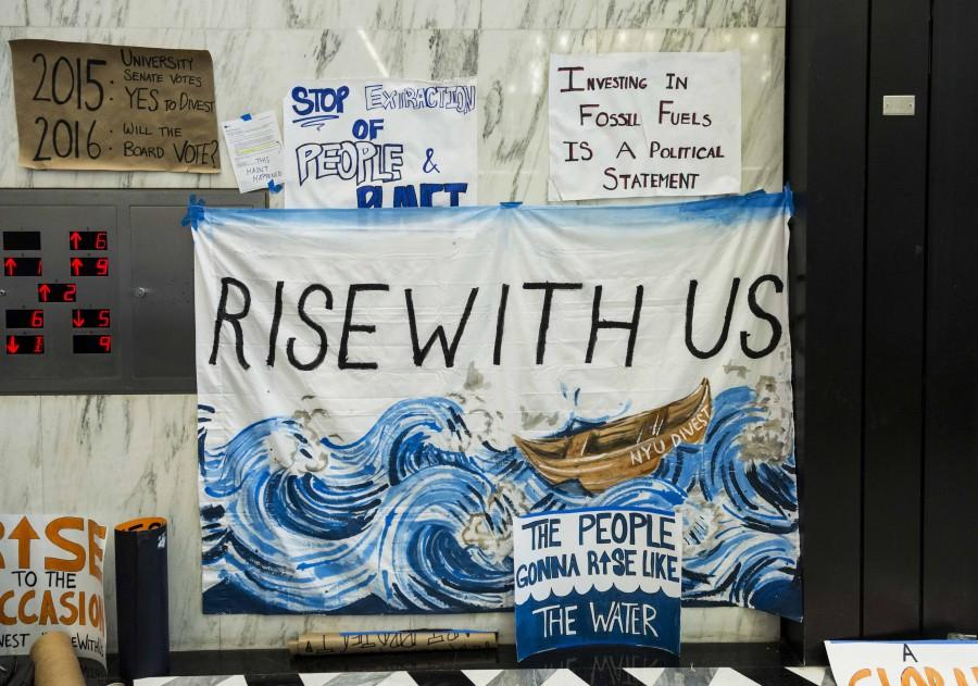 Students+think+NYU%E2%80%99s+refusal+to+divest+from+fossil+fuels+contradicts+its+sustainability+efforts%2C+even+though+the+university+focuses+on+other+efforts+such+as+water%2C+power+and+waste.