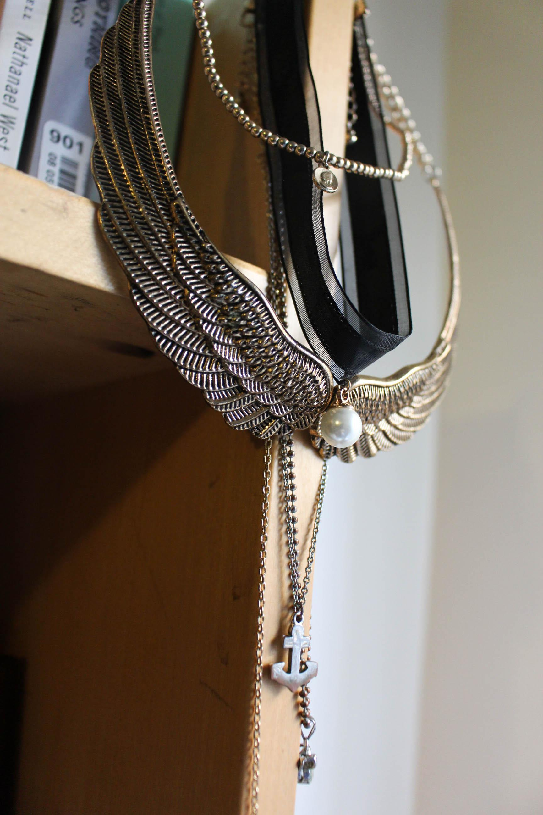 From the average chain necklace to chokers of all sizes, accessories are often questioned for their relevance.