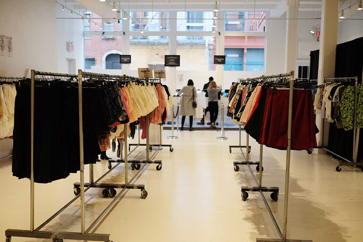 JACHS New York, among many other stores, hosts a sample sale in Soho, with a 60%-90% off discount. Sample sales are a great way to acquire fashionable clothing at an affordable price.