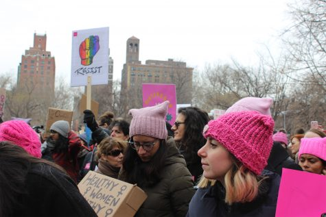 People Rally for Pro-Planned Parenthood