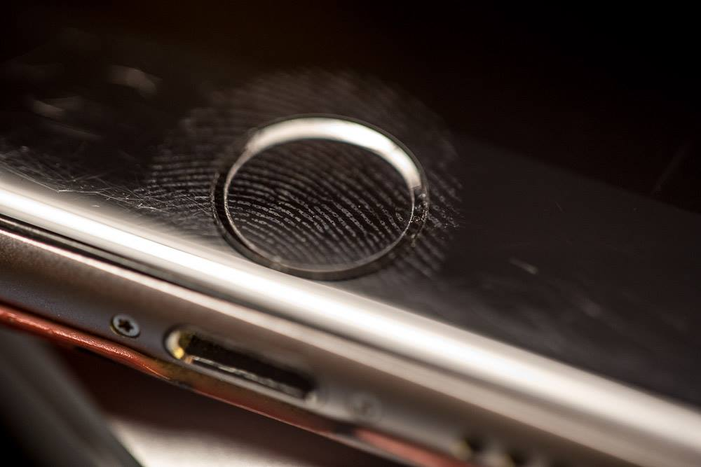 Tandon professor Nasir Memon, along with other researchers, found that smartphones' fingerprint authentication systems can be hackable through a master print, which has many users' partial fingerprints.