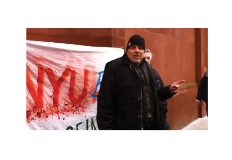 John Penley protests to convince NYU students to help homeless