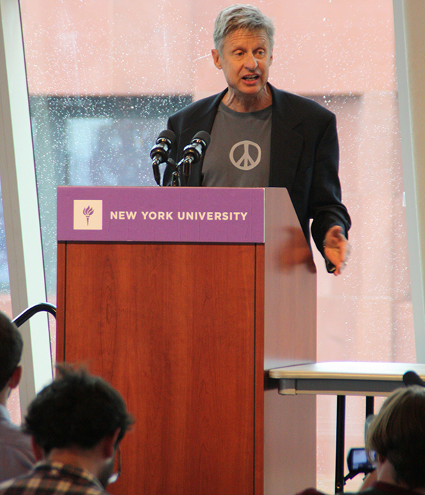 Libertarian Gary Johnson encourages students to 'waste vote'