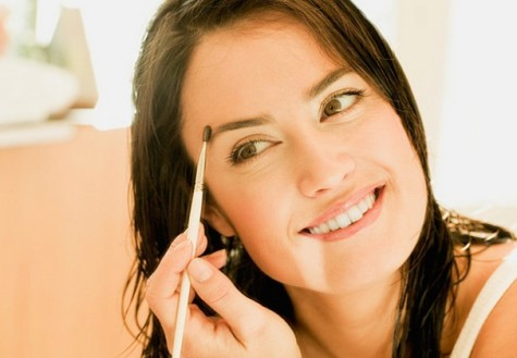 Accentuate facial features with eyebrow shape