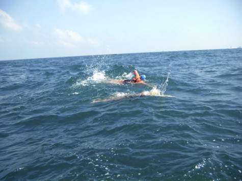 Former NYU swimmer, cancer survivor, conquers English Channel