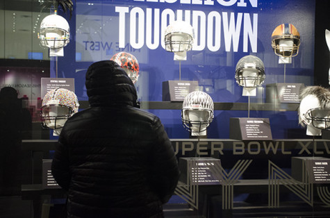 Bloomingdale's teams up with NFL for stylish Super Bowl