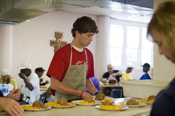 Top five ways to volunteer during holidays