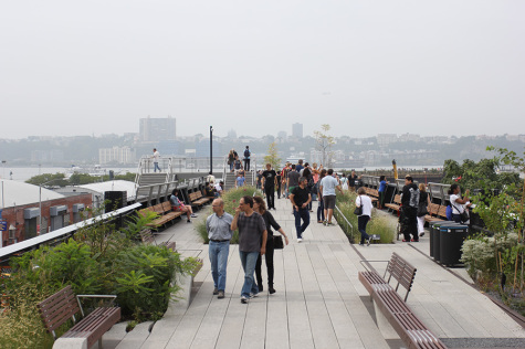 High Line extends another half-mile, attracts visitors on Sunday