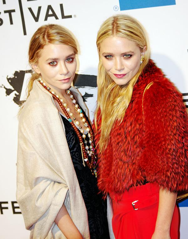 The+Olsen+Twins+are+symbols+of+high+fashion+and+would+make+for+a+trendy+couple%27s+look+on+Halloween.