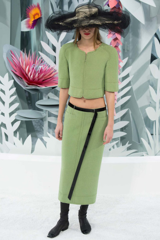 Paris  couture pushes boundaries
