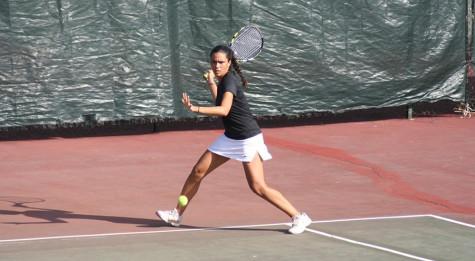 Tennis teams win some, lose some
