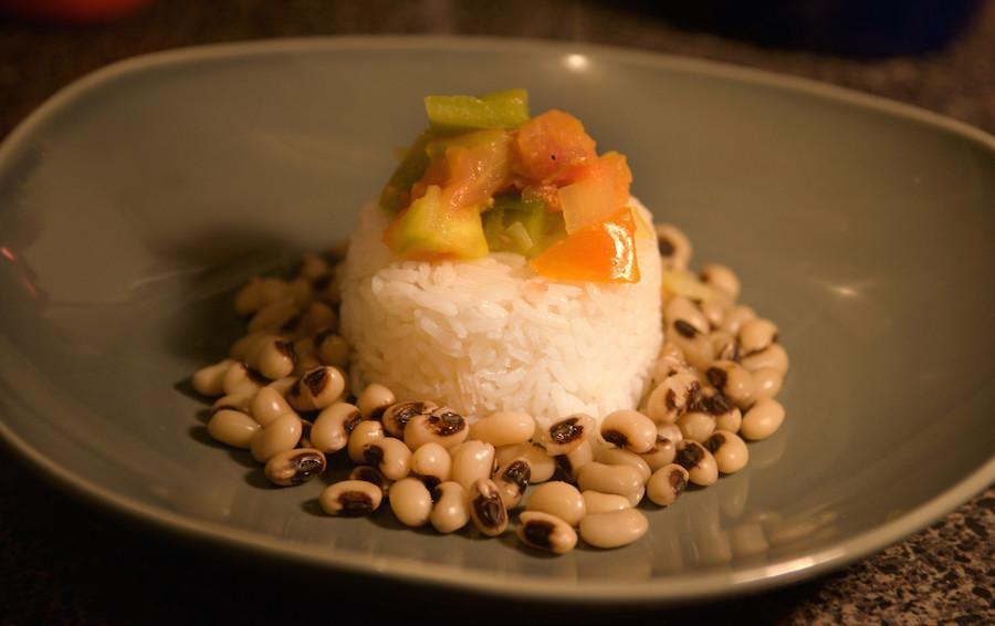 Preparing+a+typical+RoshHashanah+dish+of+Black-Eyed+Peas.+