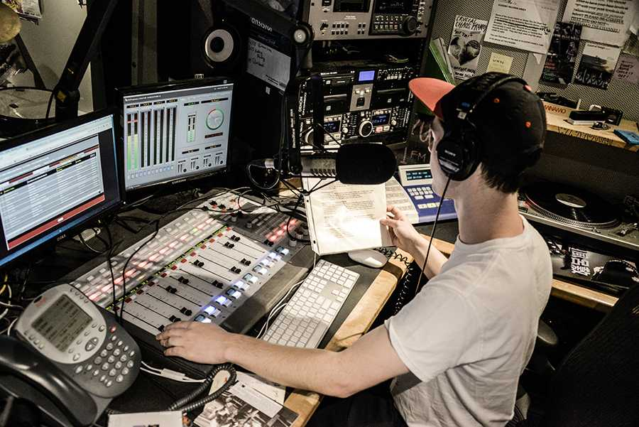 Evan Newhausen of WNYU running the station.