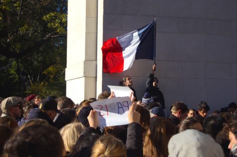 [PHOTOS] NYC shows solidarity with Paris following terrorist attacks