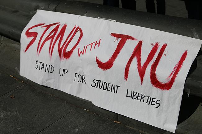Students+from+NYU+and+Cooper+Union+gathered+at+Washington+Square+Park+to+stand+in+solidarity+with+JNU.
