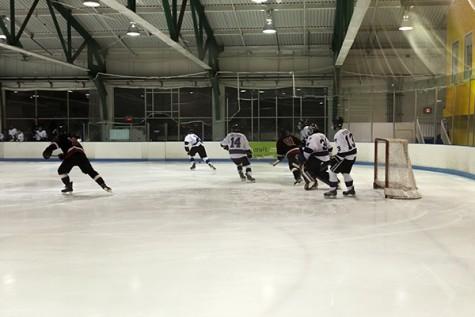 Hockey Testy in Weekend Wins