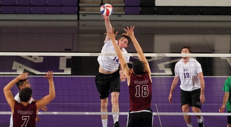 Volleyball Grinds Out Two 5-Set Wins at UVC Crossover