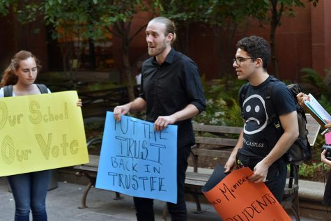 NYU SLAM Petitions in Bobst for Student Representation on Board of Trustees
