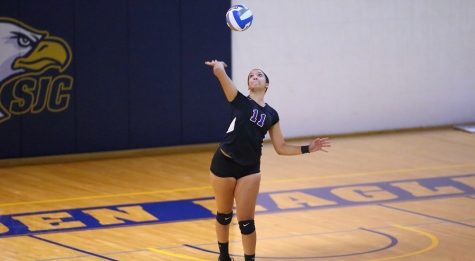 Mercurial Violets Thrive in Golf, Struggle in Volleyball