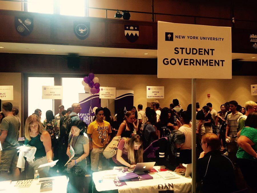 NYU%E2%80%99s+Student+Senator%E2%80%99s+Council+welcomes+incoming+freshmen+during+Welcome+Week.