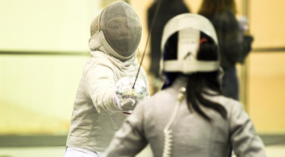 Starting the fencing season strong, sophomore Jacqueline Tubbs placed seventh out of 75 fencers at the Temple Collegiate Open.