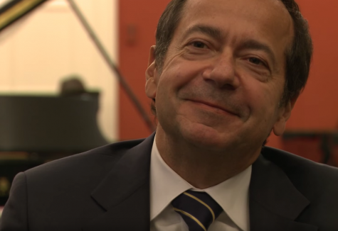 Board Member John Paulson Shows Close Ties to Trump