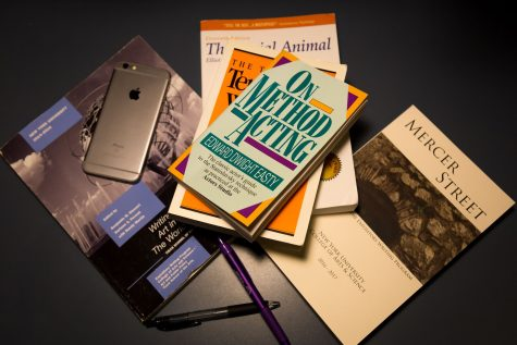 Students Read Between the Lines of NYUSH Textbook Policies