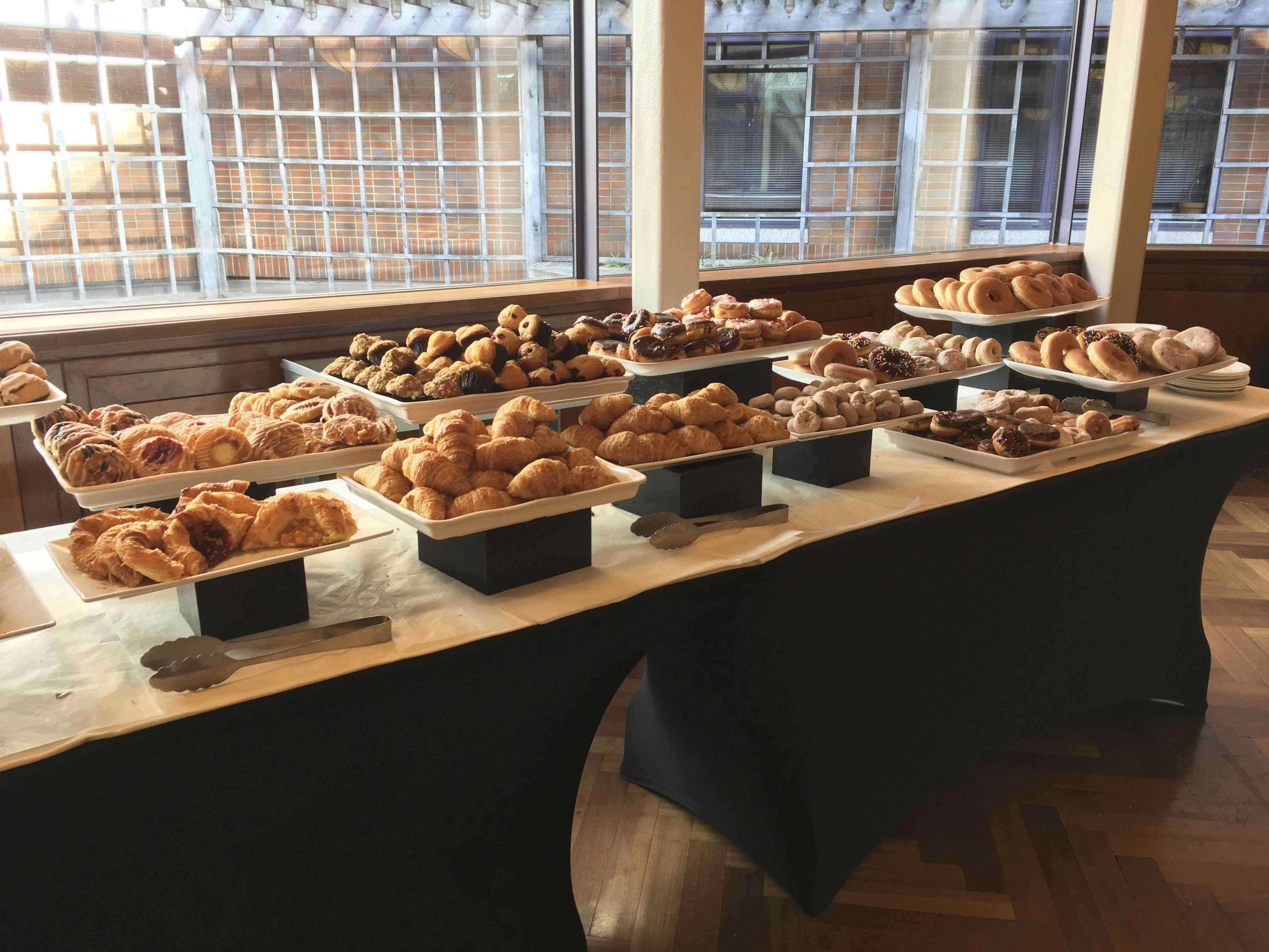 Get your sweet tooth on by visiting some amazing bakeries around the dining halls, ranging from Baked by Melissa to The City Bakery.