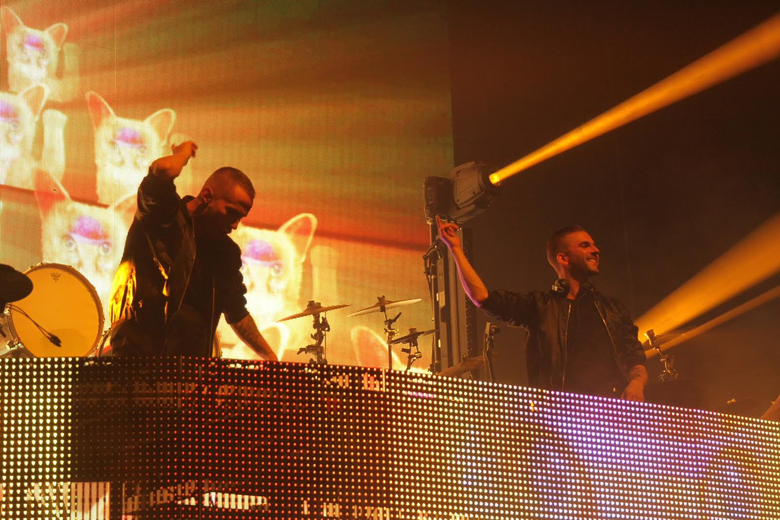 The Swedish duo Galantis brought colourful visuals and high energy to their performance at the Hammerstein Ballroom, on April 7.