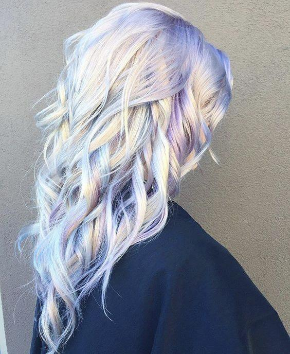Pastel-colored+hair%2C+dubbed+%22unicorn+hair%2C%22+is+becoming+a+trend%2C+one+which+is+facing+mixed+reactions.++