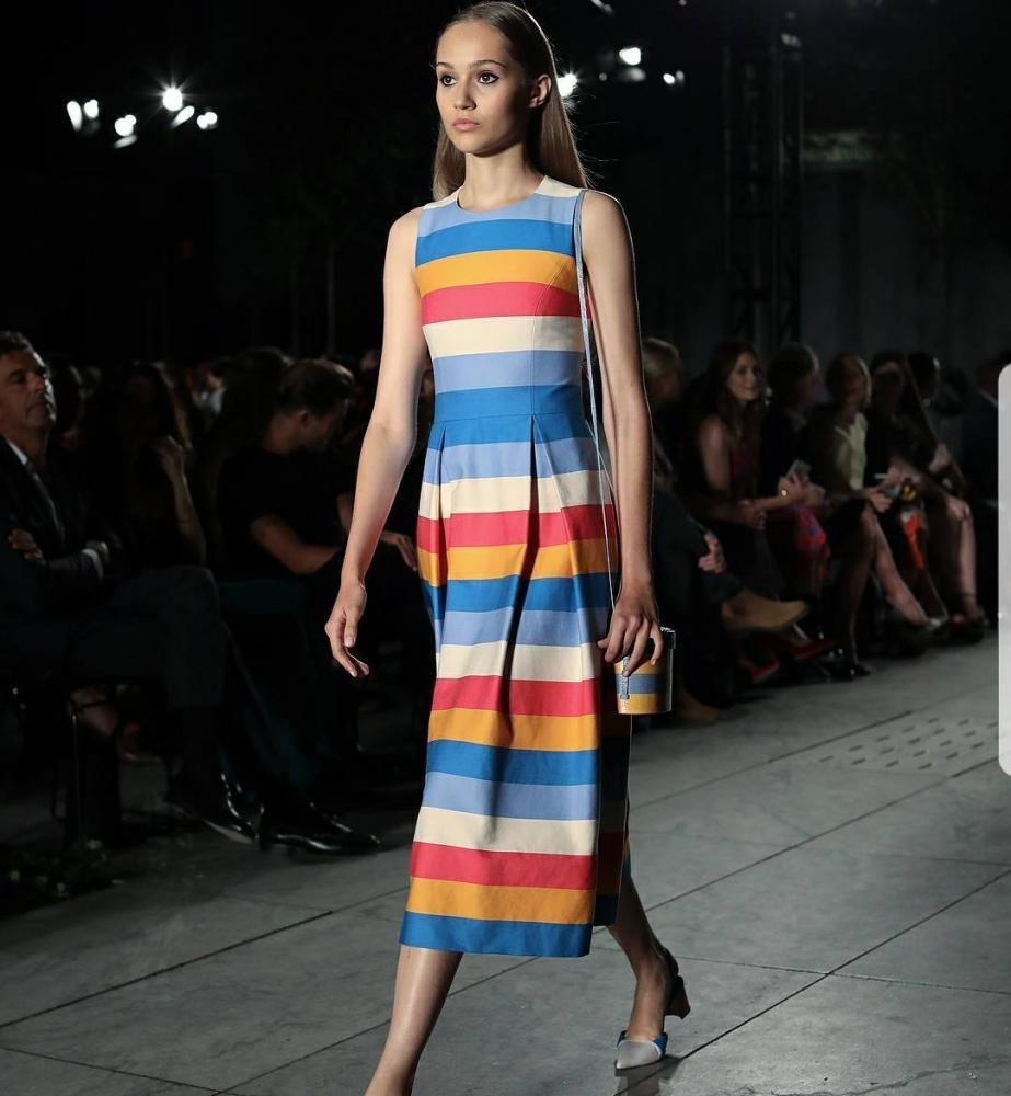 Carolina+Herrera%E2%80%99s+stunning+collection+evokes+budding+parks+and+picnics.