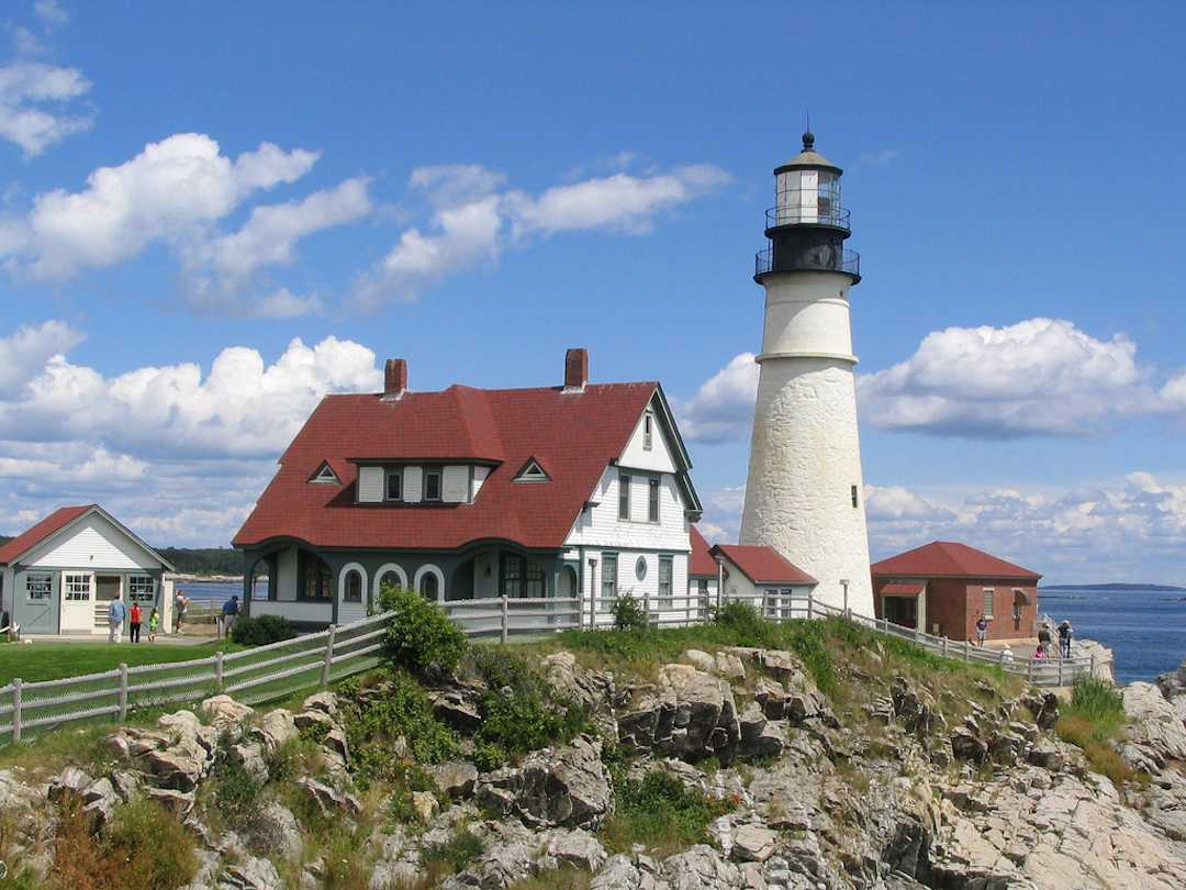 Portland%E2%80%99s+lighthouse+is+one+of+the+main+attractions+for+NYU+students+to+see+during+their+getaway.