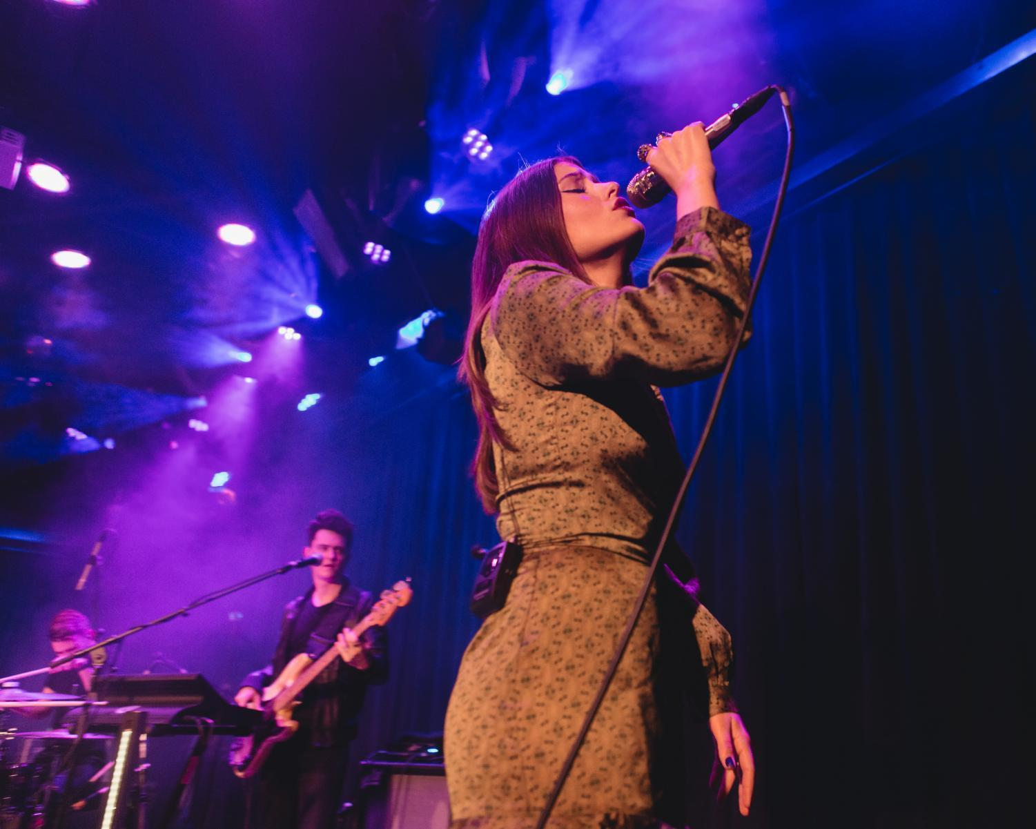 Swedish singer-songwriter LÉON performed at Le Poisson Rouge on Oct. 27.
