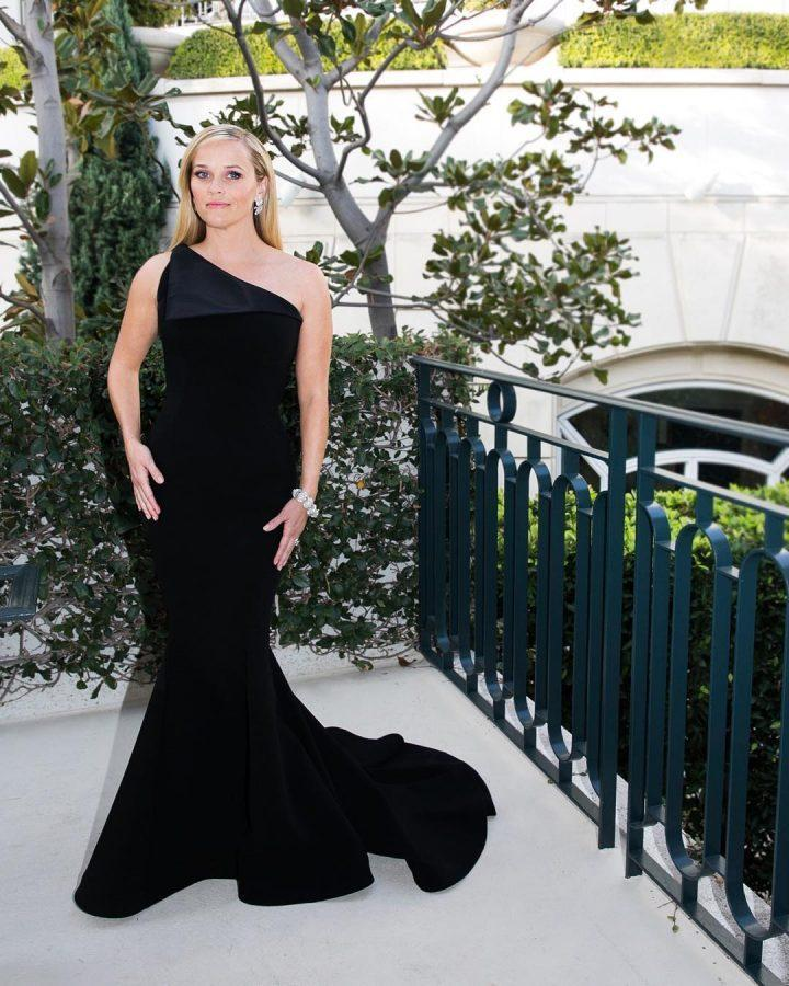 Reese+Witherspoon+was+among+the+many+women+and+men+who+wore+black+to+the+Golden+Globes+in+support+of+Time%27s+Up.