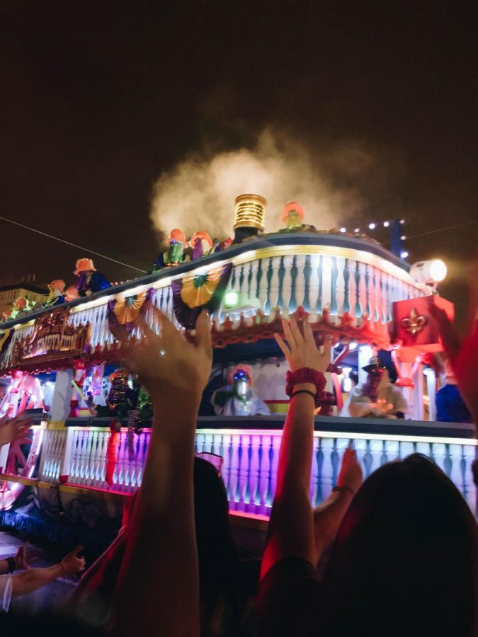 Mardi+Gras+celebrations+in+New+Orleans%2C+Louisiana%2C+include+many+colorful+costumes+and+parades.