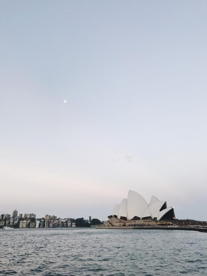 A+view+of+the+Sydney+Opera+House+from+the+Manly+Ferry+at+Circular+Quay+in+downtown+Sydney.
