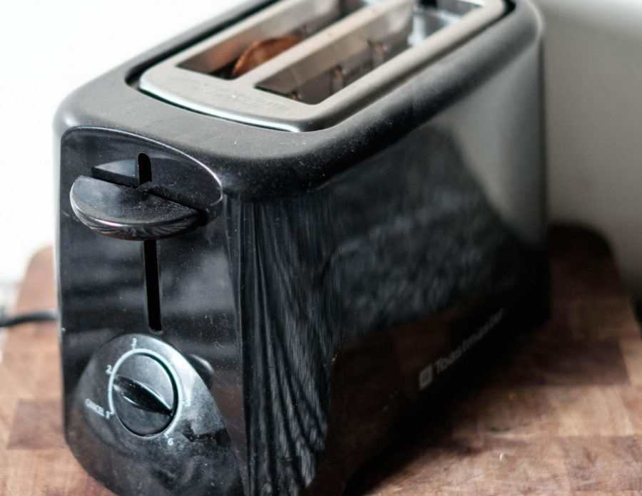 Toasters+are+helpful+appliances%2C+especially+in+residence+hall+kitchens.