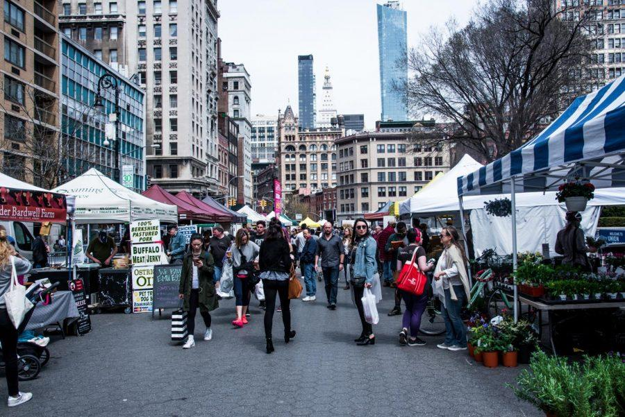 The+Union+Square+Greenmarket+is+open+four+days+a+week.+Various+stands+sell+produce%2C+dairy%2C+meat+and+dry+goods.